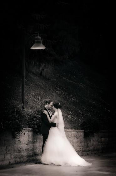 Dikmen vadisinde siyah veyaz gece sokak lambası