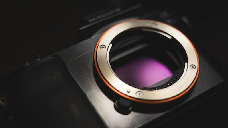 Sony Full Frame 46-50 MP Sensör