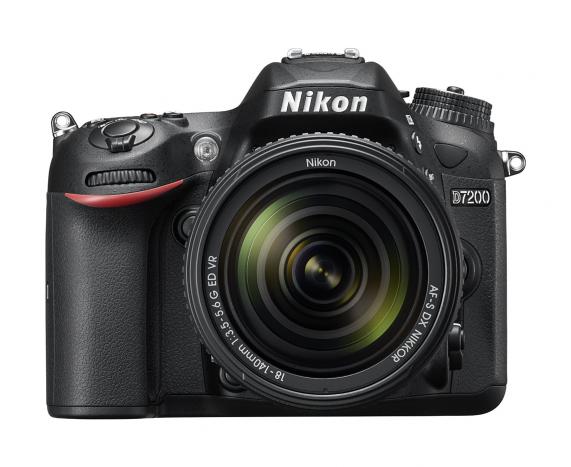 Nikon D7200 Ön