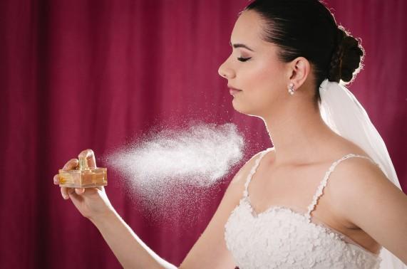 Gelin Hazırlık parfüm ışıltısı